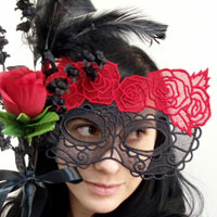 Two-Color Lace Mask_image