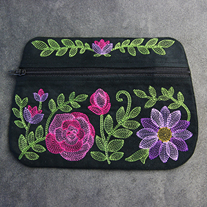 In-the-Hoop Zipper Pouch