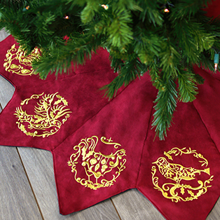 Urban Threads - Embroidered Tree Skirt Tutorial