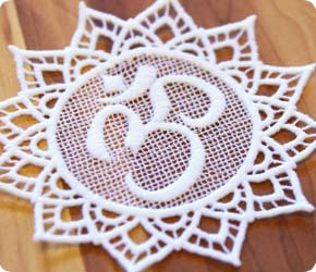 Om (Lace)