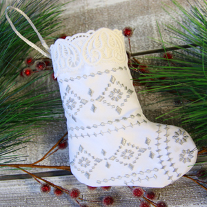 Lace Trimmed Stocking (In-the-Hoop)_image